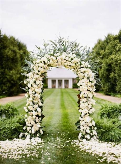 Flowers are one of the most beautiful creations of nature. Fantastic Wedding Altars