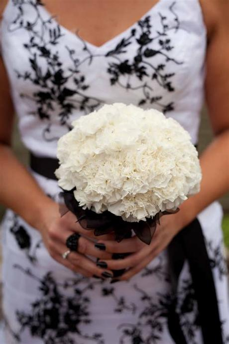Wedding styles come and go, but white never goes out of style: Wishing Well Flowers: Maryse's stunning Black and White ...