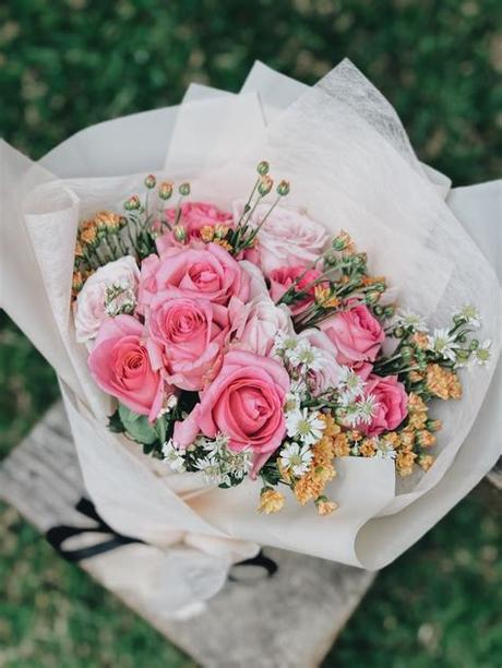 Facebook page happy birthday sri sathya sai baba. 500+ Bouquet Pictures HD | Download Free Images on Unsplash