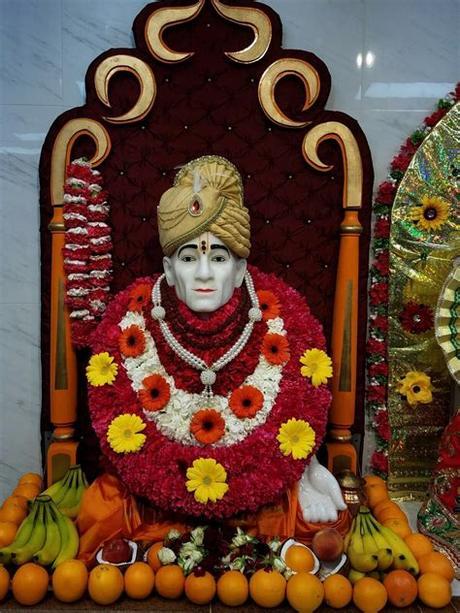 Discipline, cleanliness and blessings of shree gajanan maharaj gives us a mindblowing peacful experiance. Gajajan Maharaj Images - Shree gajanan maharaj sansthan ...