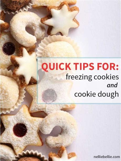 Happy baking with these christmas cookies that freeeze well!! Freezing Cookies | Freezing Cookie Dough | from NellieBellie