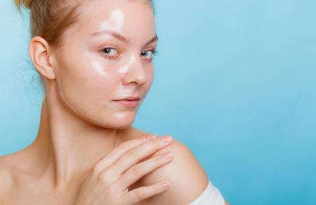 6 Powerful DIY Peel Off Face Masks for Acne
