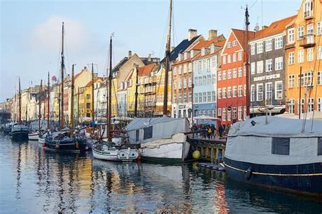 Kopenhagen slotsholmen danish parliament christiansborg. Kopenhagen - Little Discoveries
