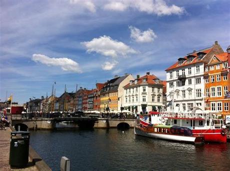 Summer in tivoli is a magical place when flowers and bushes are in full bloom. Assistenzärztin in Dänemark - Mein Weg nach Kopenhagen ...