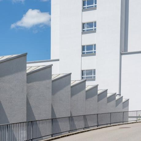 Straight geometry