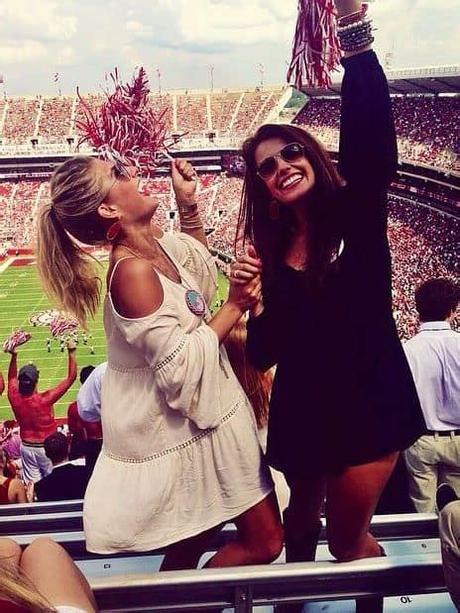 When it comes to collegiate football we all know that making it to the game isn't what matters. 22 Game Day Outfits All College Girls Need To Copy - By ...