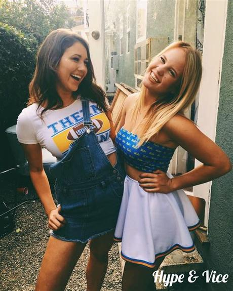 Even though it's just a small thing, wearing a kickass outfit will make you feel so much. UCLA, Cute gameday outfit | Gameday outfit, College ...