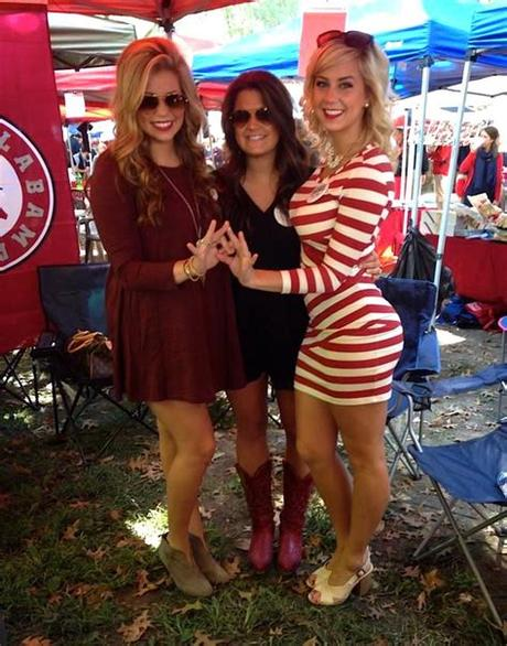 5.0 out of 5 stars 1. Southern Belles: The girls of gameday