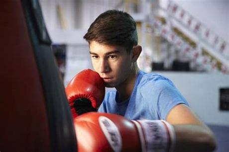 *the single best thing about free standing bags is that they do not require you to drill any type of holes or do any type of set up like other bags do. Best Punching Bags For Teenagers - Top Picks for the Money ...
