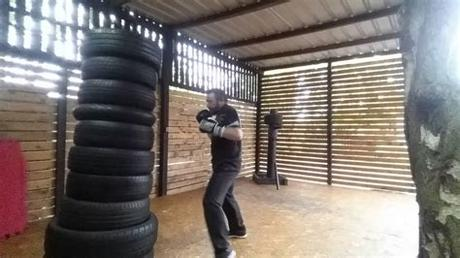 After you find lots of old clothes, cut them in pieces. THE BEST and CHEAPEST HOME MADE Tyre Boxing Bag - YouTube