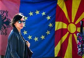 Je id of paspoort moet geldig zijn tot 3 maanden na je vertrek. Eu Zet Sein Op Licht Groen Voor Albanie En Noord Macedonie Trouw