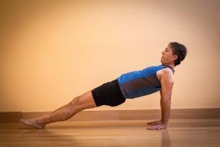Strengthening Pose of the Week: Upward Plank Pose
