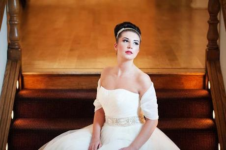 Wrapor bridal shrug on English Wedding Blog (1)
