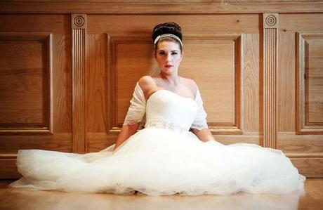 Wrapor bridal shrug on English Wedding Blog (5)