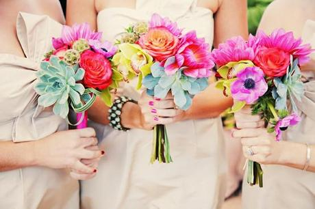 Wedding Day Bouquet Ideas to Complement Your Ensemble