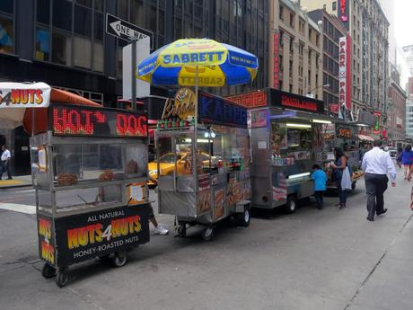 Travel eat 5 street food new york paperblog for American cuisine in nyc