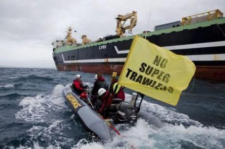 9,500-ton Super-Trawler Approved To Fish In Australian Waters