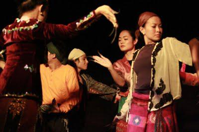 Sintang Dalisay, a North-South intercultural production, from Tanghalang Ateneo this July