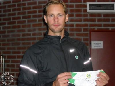 New Auction: Alexander Skarsgård signed items at Skarsgardnews.com