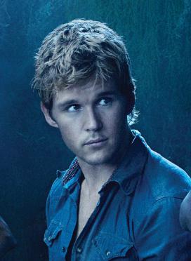 Ryan Kwanten says Jason experiences a growth spurt in Season 4