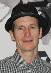 Emmys 2011: Vote For Denis O'Hare to be nominated