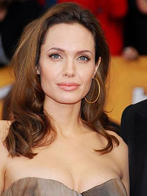 Jolie Visits Syrian Refugees In Turkey