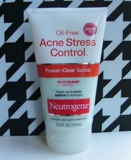 Neutrogena Acne Stress Control Power-Clear Scrub