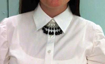 black beads 1Button Up Fashion: The Bow Tie Effect