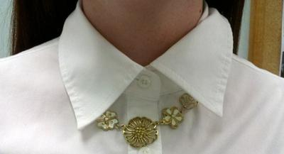 gold flowers 2Button Up Fashion: The Bow Tie Effect