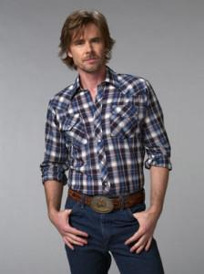 Sam Trammell as Merlotte Season 2 blue plaid shirt
