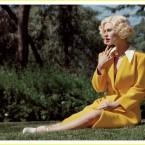 anna-paquin-blonde-wig-v-magazine-01