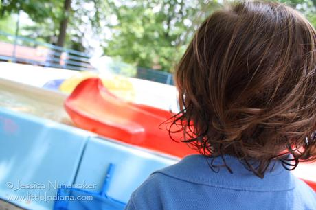 Holiday World in Santa Claus, Indiana: I Can Ride The Boats!