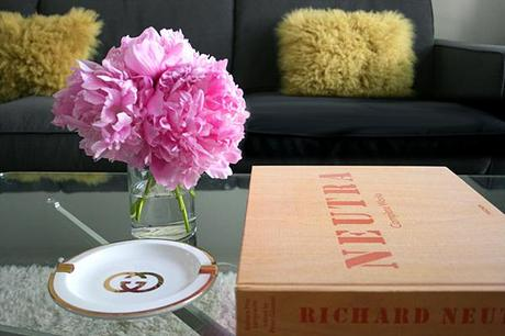 nette: pink peonies on the coffee table