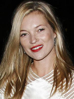 Kate Moss Marries Rocker Jamie Hince