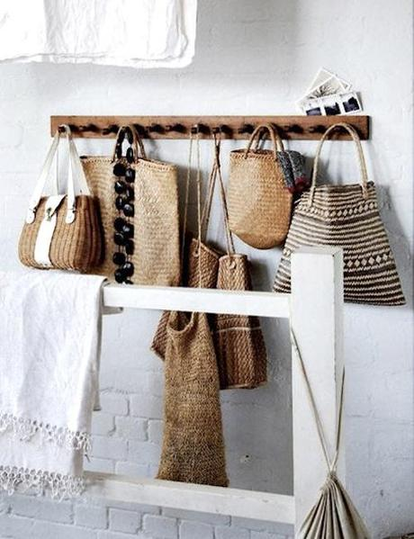 The perfect coat rack hat stand place to hang your - Percheros para bolsos ...