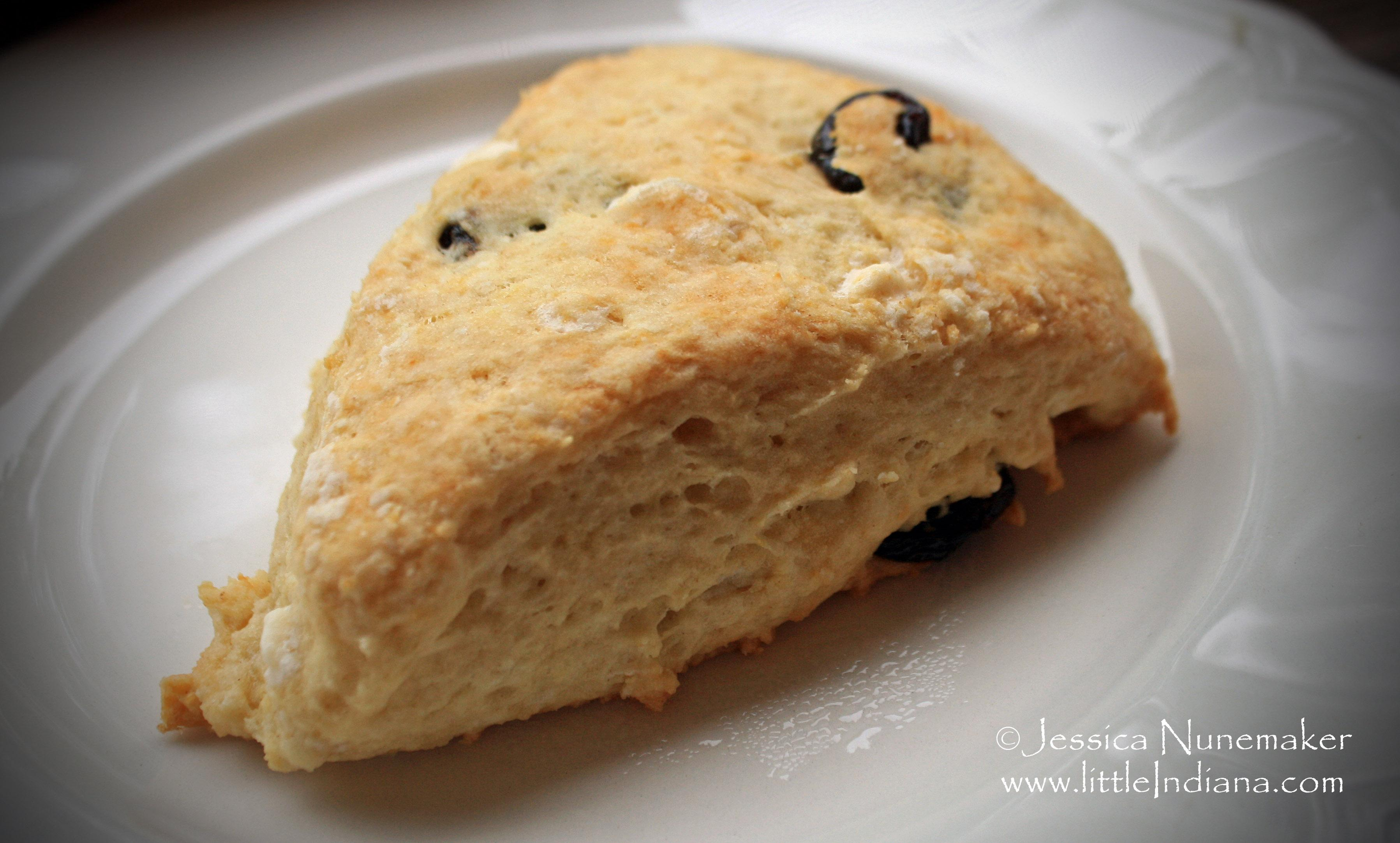 White Chocolate and Cherry Scones Recipe - Paperblog