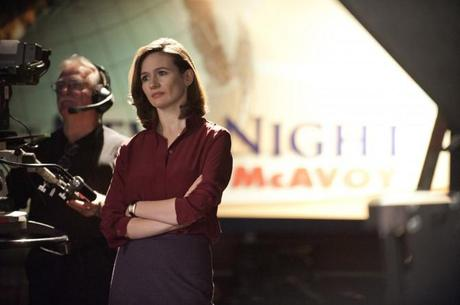 THE NEWSROOM Emily Mortimer 670x445 Emily Mortimer standing by her British roots for L.K.Bennett.