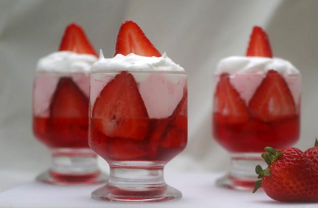 parfaits strawberry parfaits strawberry cheesecake parfait strawberry ...