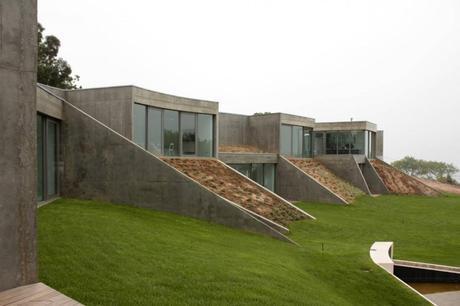 House Foz do Arelho by Alexandre Burmester Arquitectos Associados