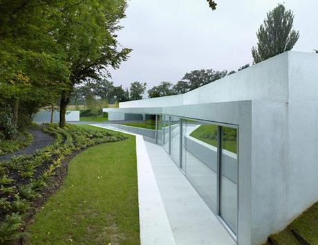 Expansion of a Villa by Pierre-Alain Dupraz