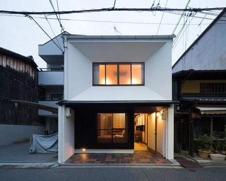 Town House in Sawaragicho by Shogo Aratani Architects & Associates