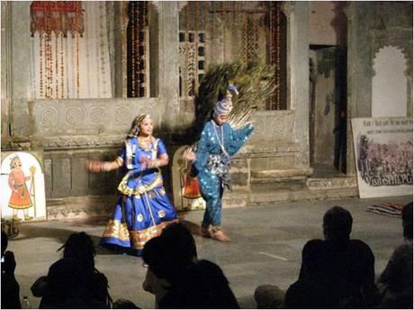 Peacock dance at Bagore Ki Haveli, Udaipur
