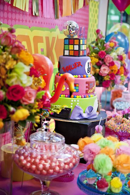 Little big company 39 s 80s themed party styling paperblog for 80 s table decoration ideas