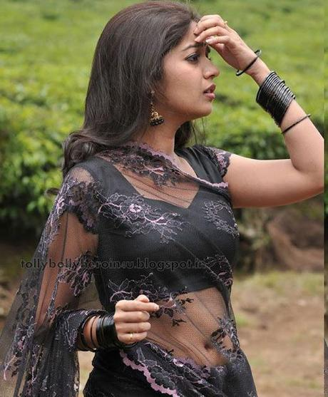 Rare Cleavage N Navel Show In Transparent