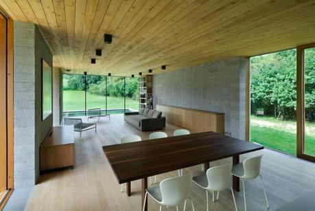 Weekend House by Marketa Carjthamlova