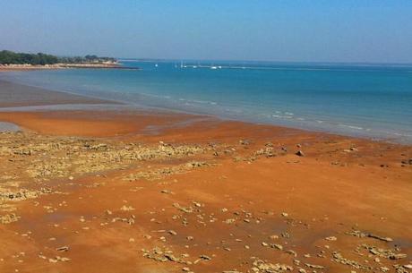 Northern Territory photos - red sand beach in Darwin
