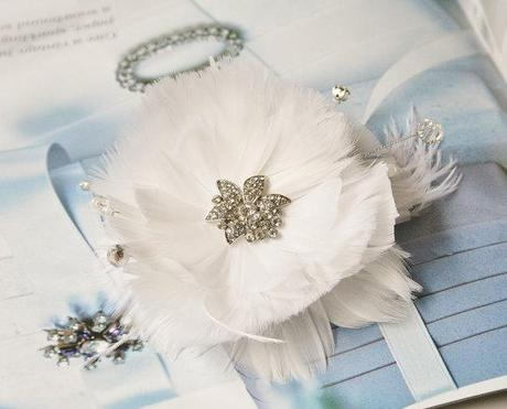 Bridal Hair Flower with Feathers, Wedding Hair, White Flower Fascinator with Rhinestones, Crystalsand Pearls, Bridal Hair Accessory