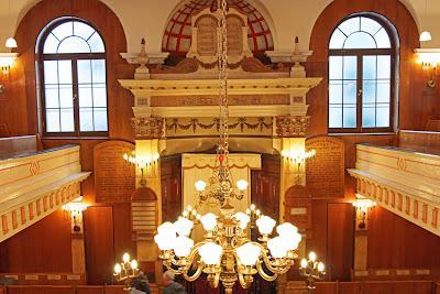 Sandys Row Synagogue interior