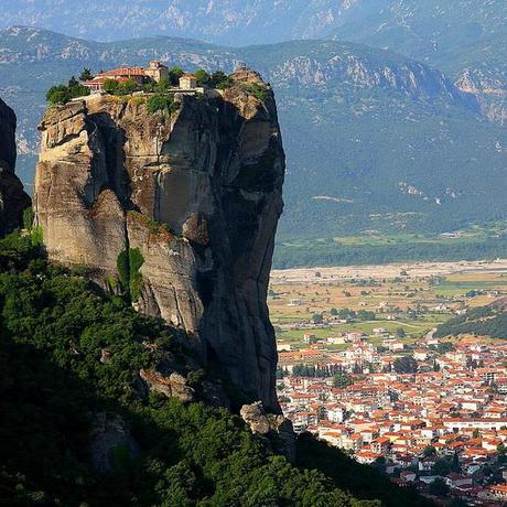 10 Incredible Rock Pillar Landscapes
