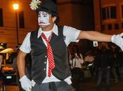 Surprise Photo Opportunities Clown Campo Fiori Bride Groom Trevi Fountain
